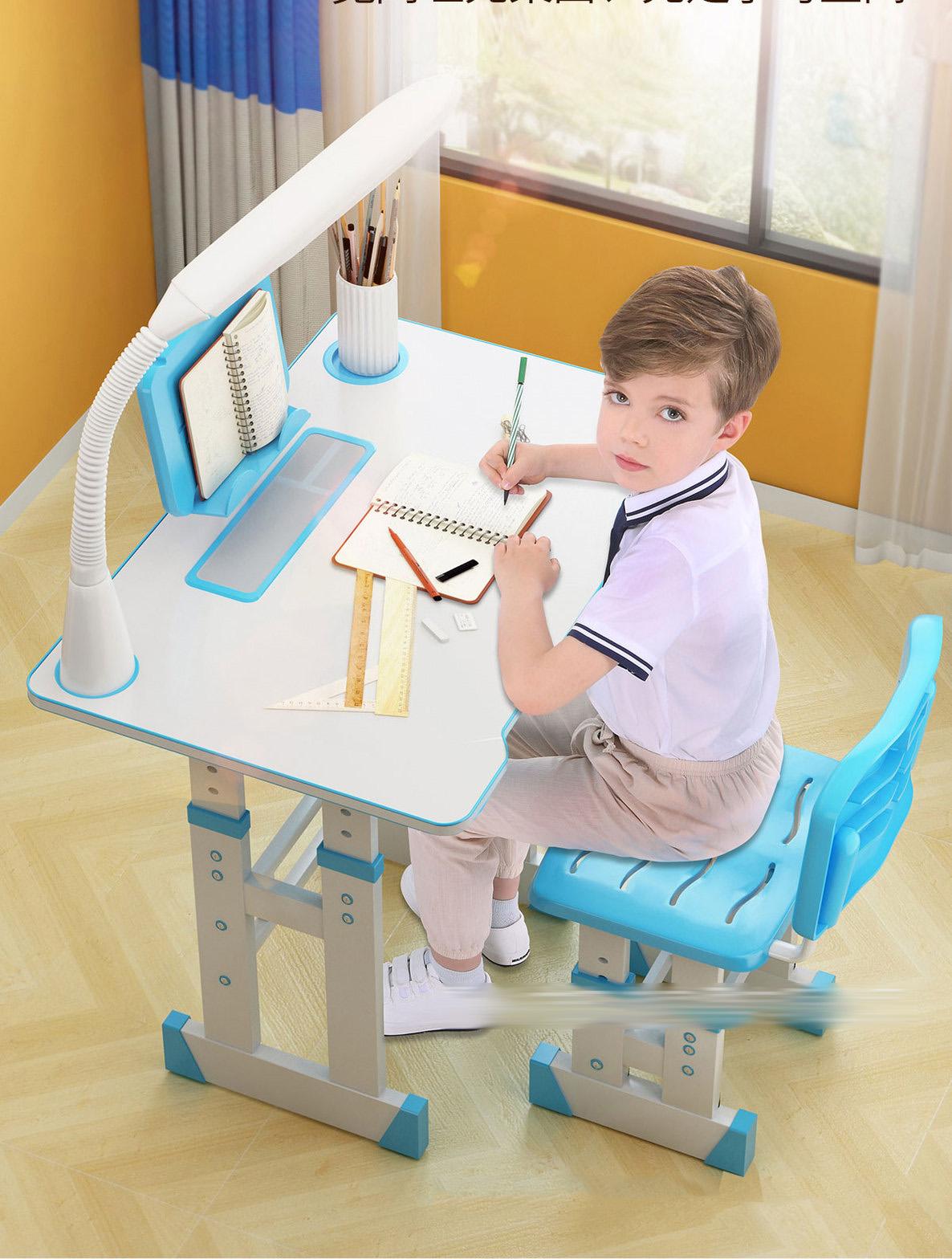 Bộ bàn ghế học sinh cao cấp tặng đèn và chống cằm
