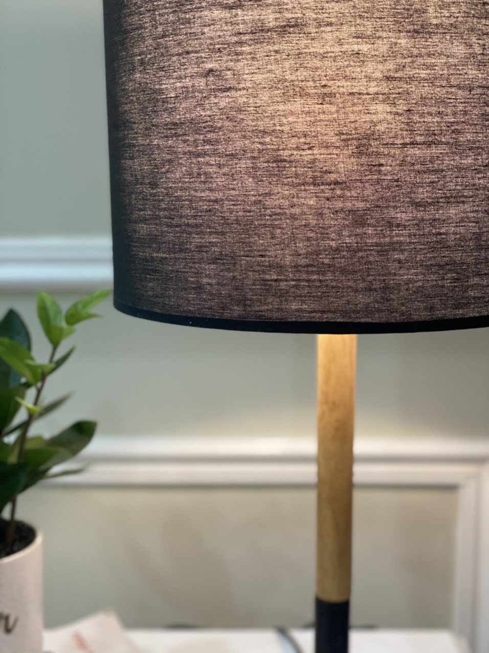 Đèn bàn trang trí thân gỗ cao cấp MD603
