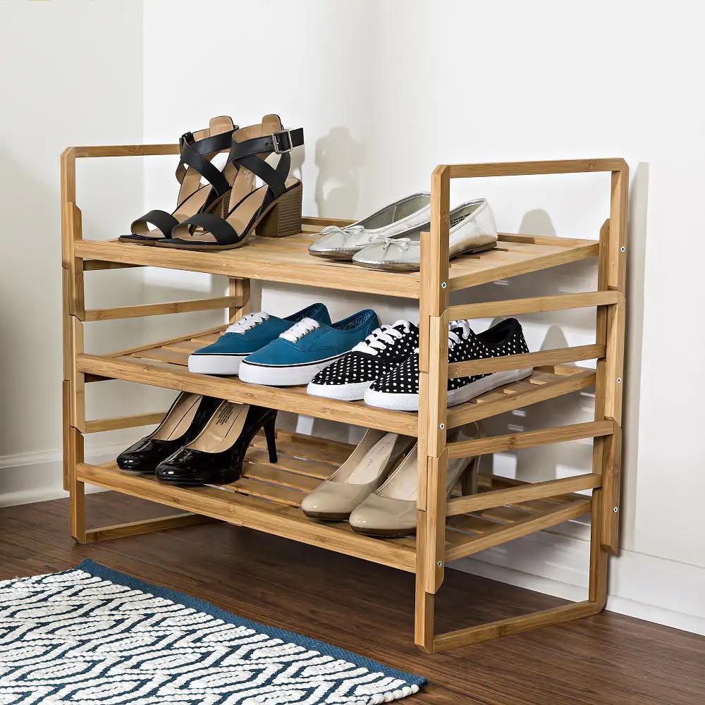 kệ giày dép gỗ tự nhiên, 3 tầng để giày dép rộng rãi, có tay nắm giúp dễ dàng di chuyển