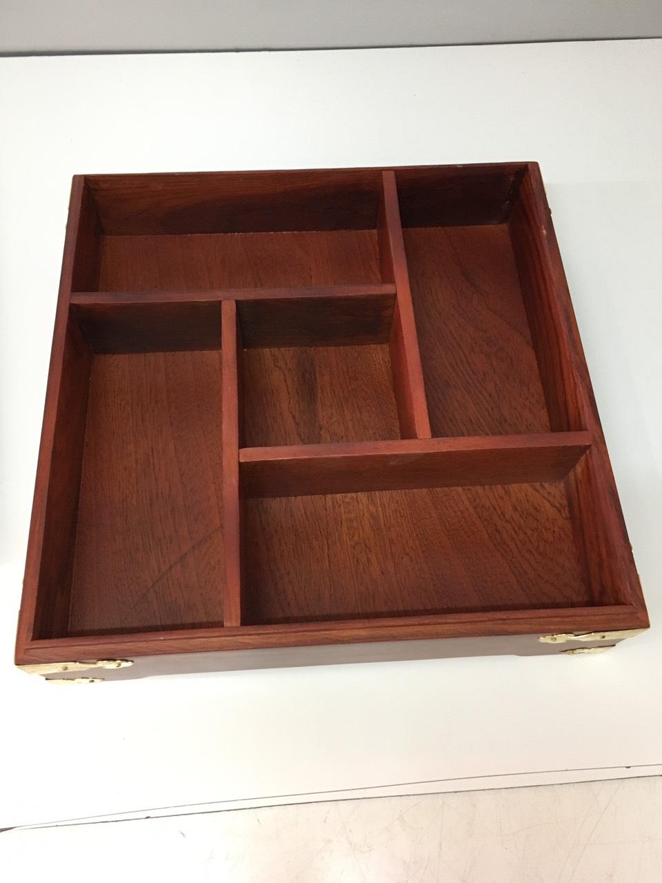 hộp đựng mứt gỗ hương, đựng bánh kẹo