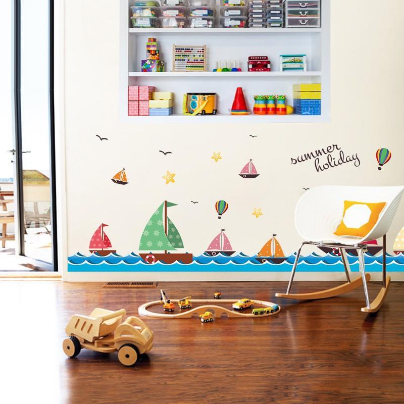 Decal dán tường những cánh buồm trên biển cho bé