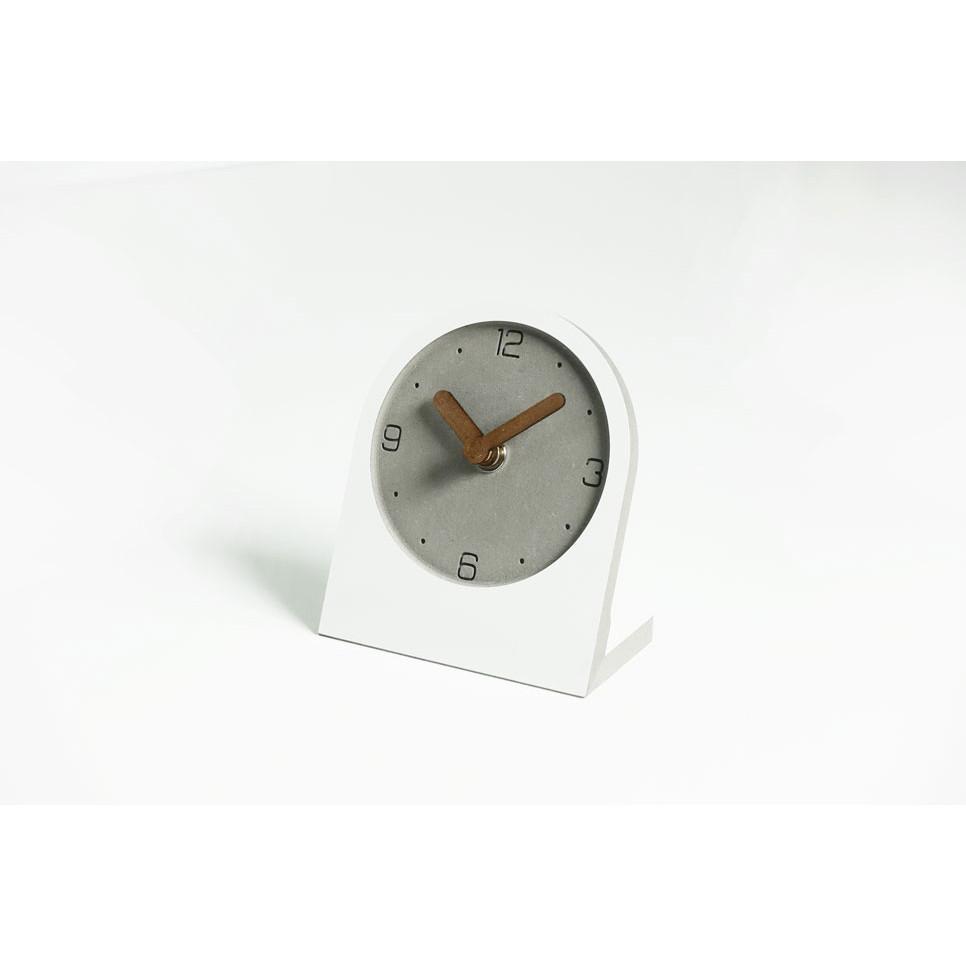 Đồng hồ để bàn không ồn kim gỗ