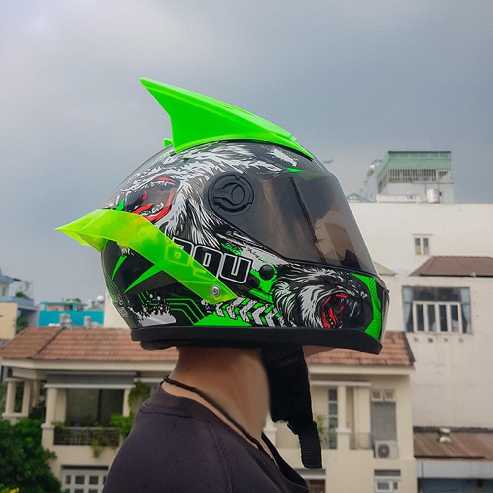 Mũ Fullface đi phượt AGU Tem 39 Xanh lá + Kèm Sừng Gắn Nón Và Đuôi gió xanh lá siêu chất