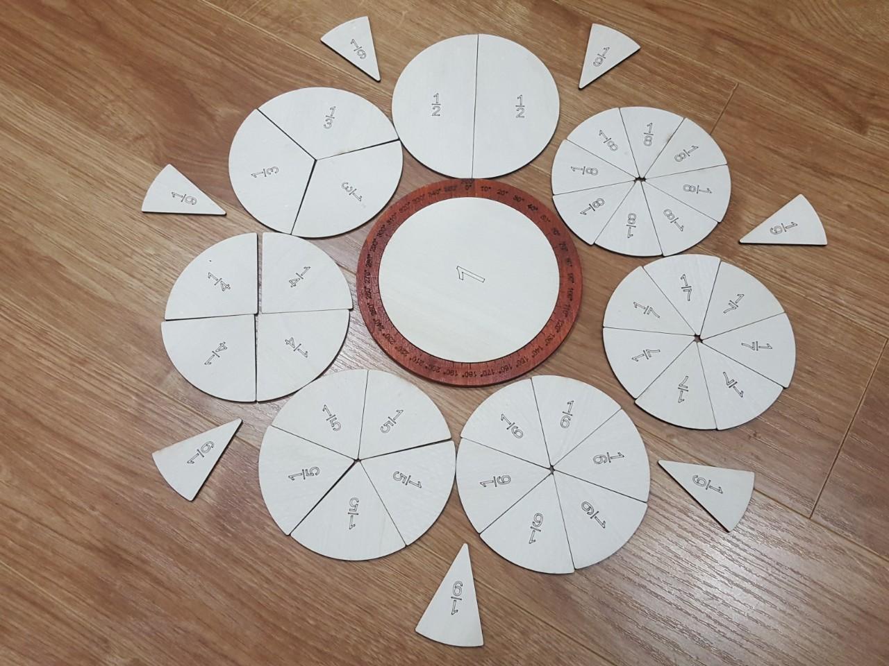 Đồ chơi bằng gỗ vòng tròn phân số, giúp con học toán