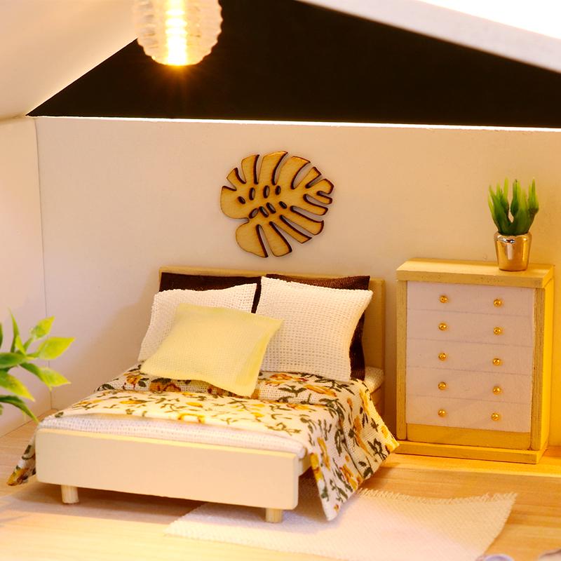 Mô hình nhà DIY Doll House Light Time Kèm Đèn LED và Mica chống bụi