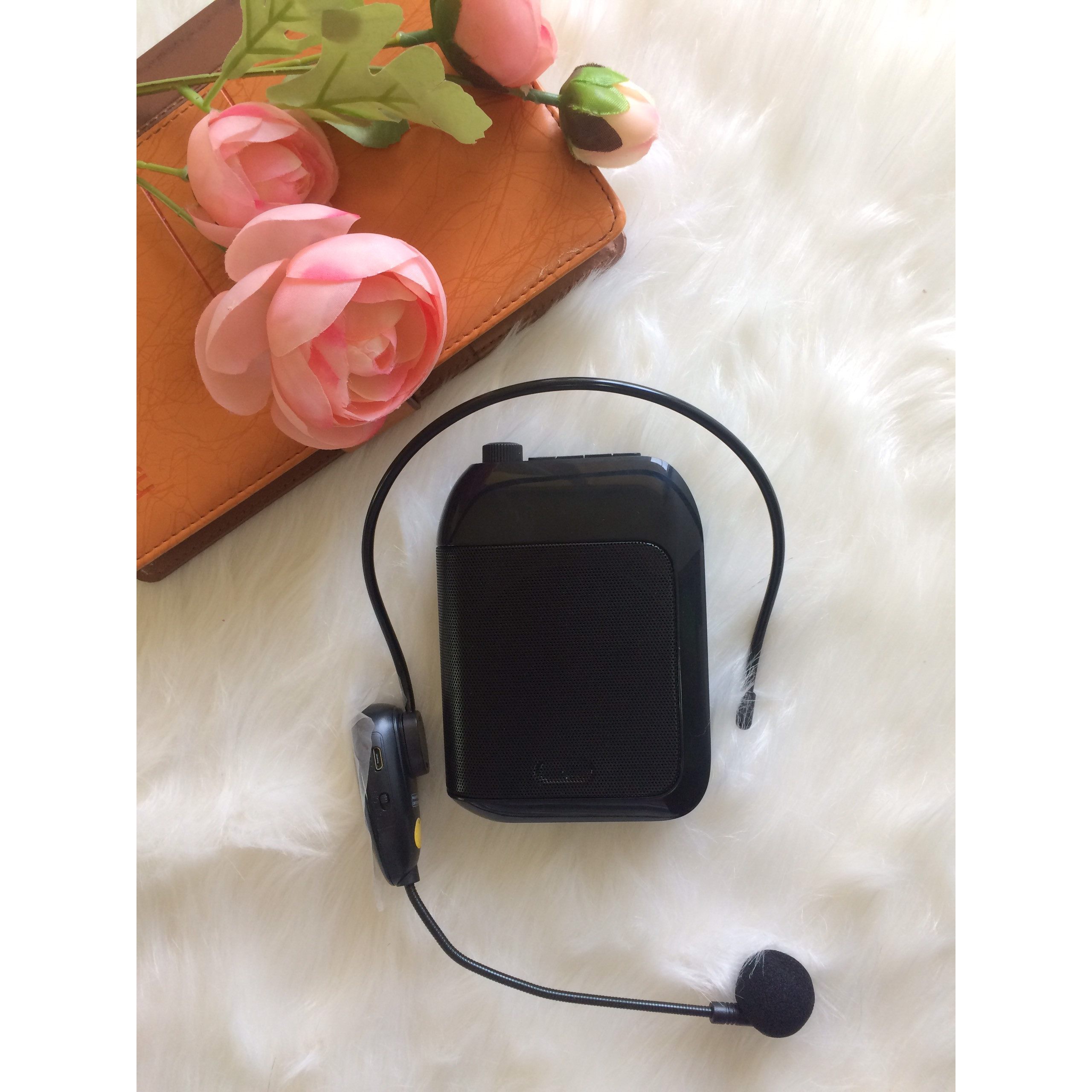 Máy trợ giảng G2022 không dây Bluetooth 5.0 chống nhiễu , bắt xa ổn định, không rè, âm thanh trung thực đầy đủ các chức năng- Hàng Chính Hãng
