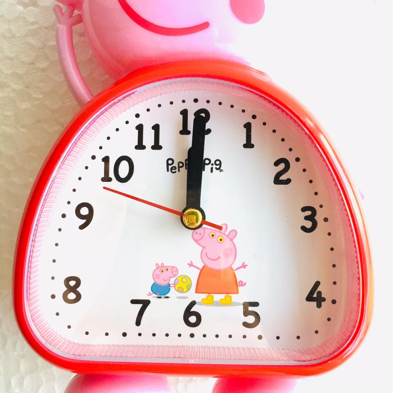 Đồng hồ báo thức để bàn con heo DC023 (đỏ) - Màu ngẫu nhiên