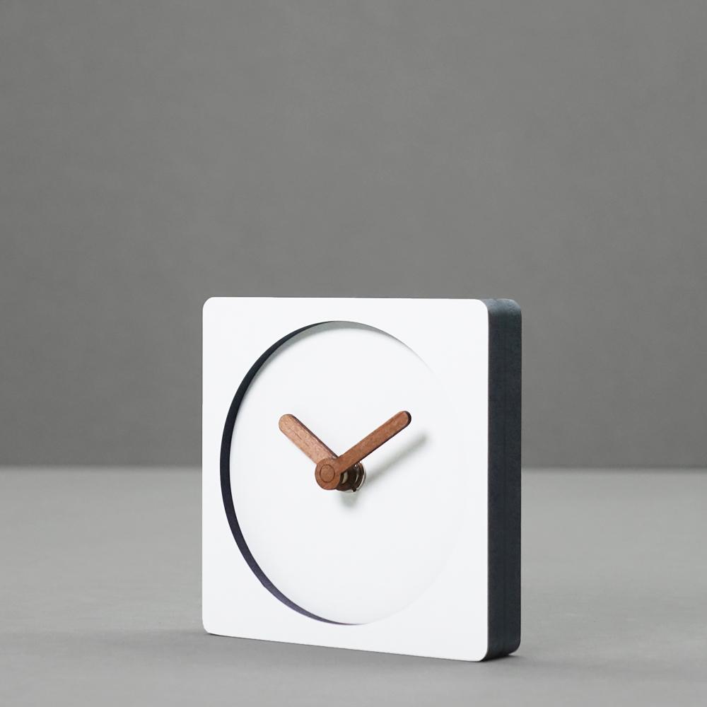 Đồng hồ để bàn không ồn có kim bằng gỗ phong cách Hàn Quốc, decor Vintage