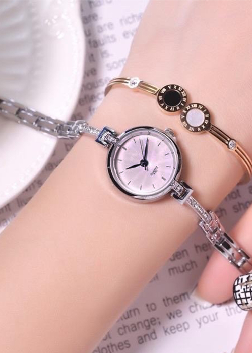 Đồng hồ nữ dây dạng lắc đính đá sang trọng kim xanh thời trang