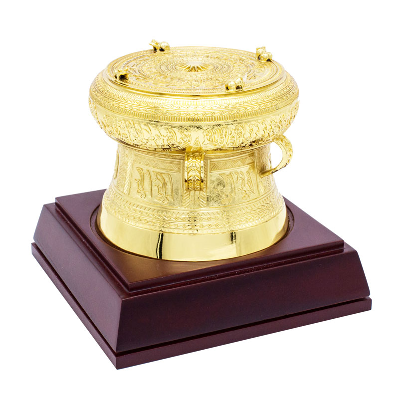 Quà tặng ngoại giao Việt Nam: Mô hình trống đồng mạ vàng 24K (15 cm)