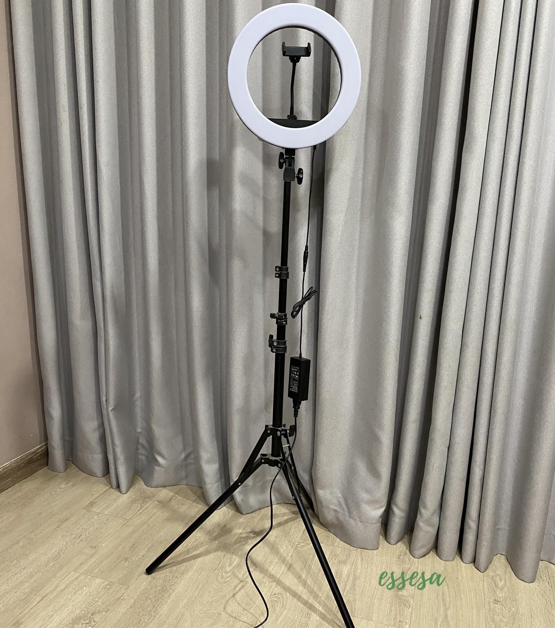 Đèn livestream/Đèn Led Trợ Sáng Essesa 36 CM Chiếu Sáng Studio, Makeup, Quay Phim , Chụp Ảnh, Livetream, Selfie Kèm Kẹp Điện Thoại Tùy Chỉnh - Hàng Chính Hãng