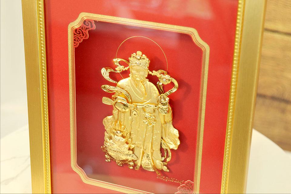 Quà tặng sếp nam: Tranh thần Tài dát vàng 24k