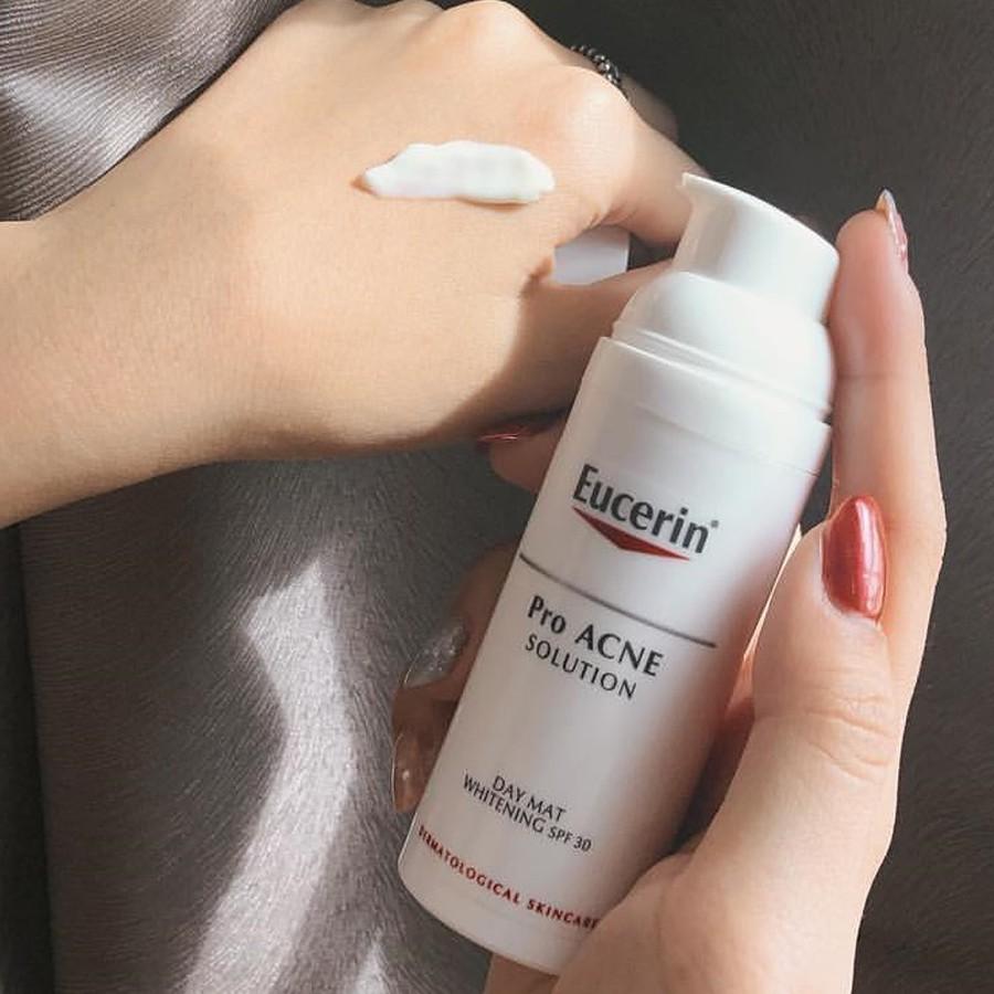 Kem Dưỡng Sáng Da Ngày Eucerin Pro ACNE Solution Day Mat Whitening SPF30