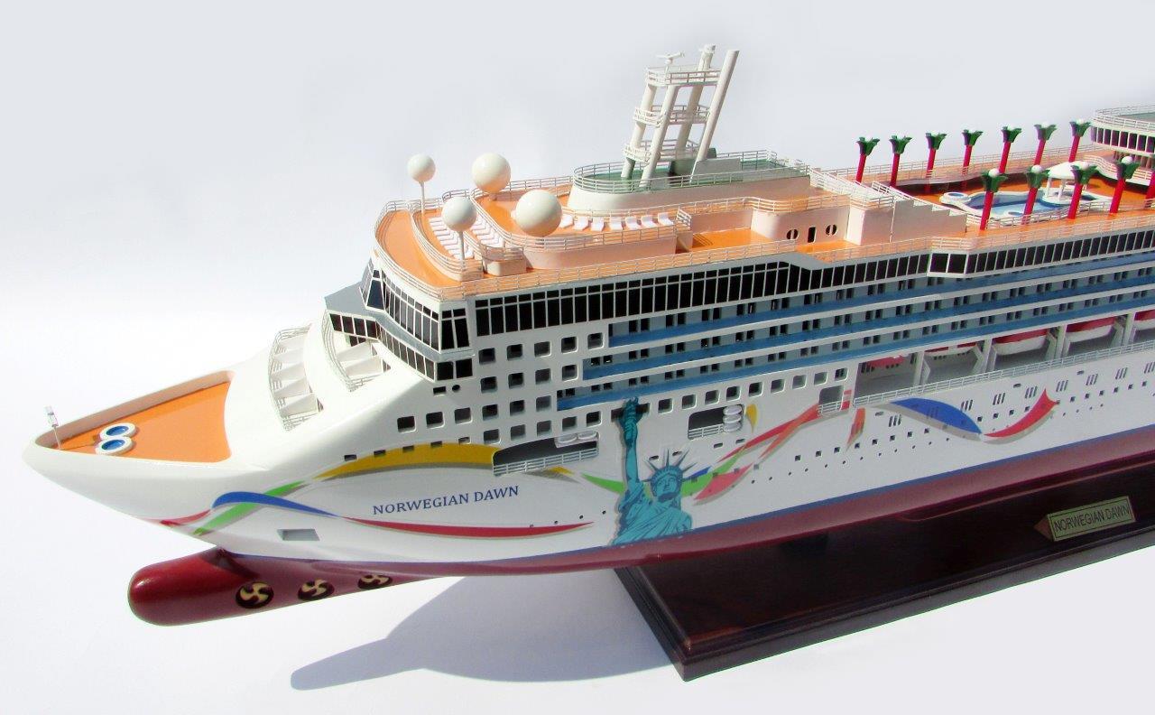 Mô hình thuyền du lịch NORWEGIAN DAWN - 100cm