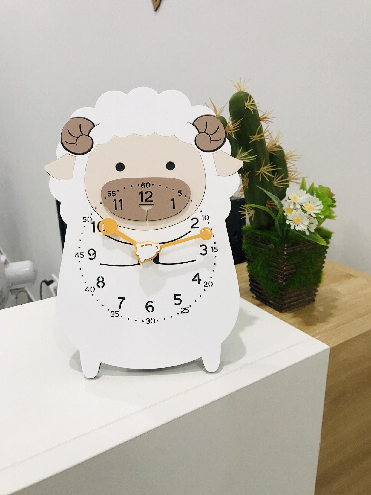 Đồng hồ để bàn hình cừu nhỏ - Sheep Desk Clock
