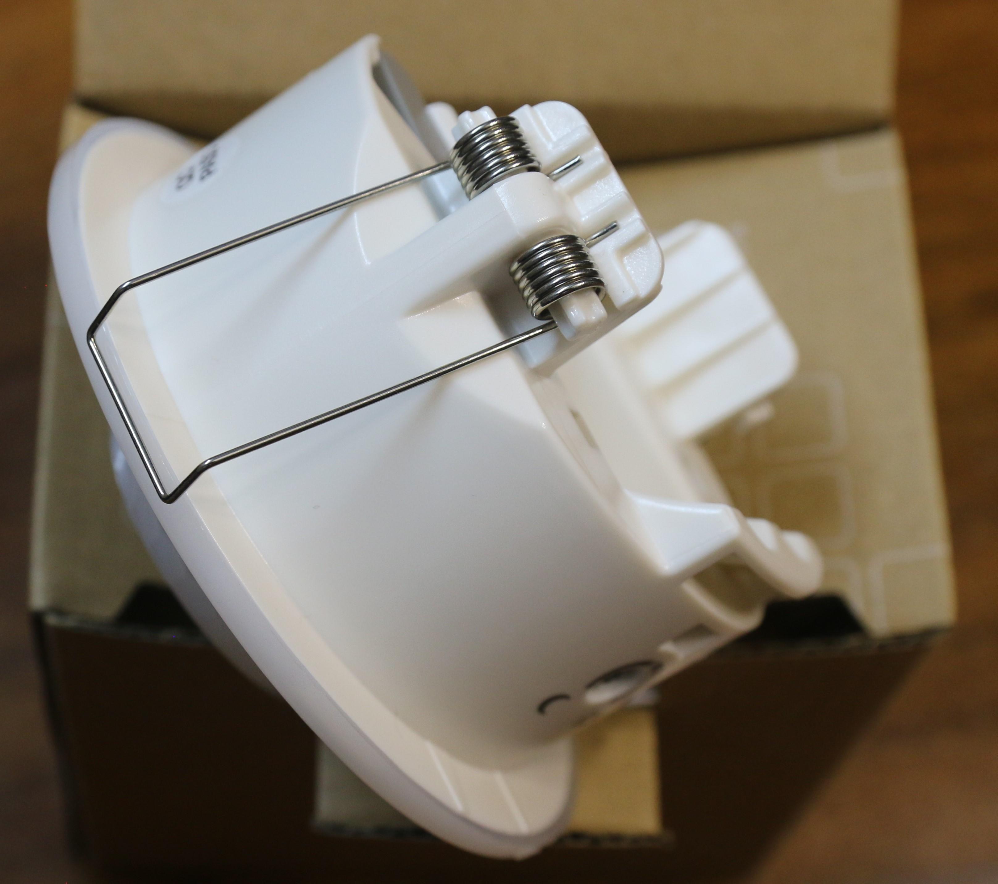 CẢM BIẾN CHUYỂN ĐỘNG GẮNG ÂM TRẦN EE805A - HAGER - PHÁP, Loại cảm biến dùng cho chiếu sáng tự động, báo động. Thiết kế nhỏ gọn phù hợp mọi không gian, tầm quét rộnh đảm bảo cho khôing gian sử dụng rộng