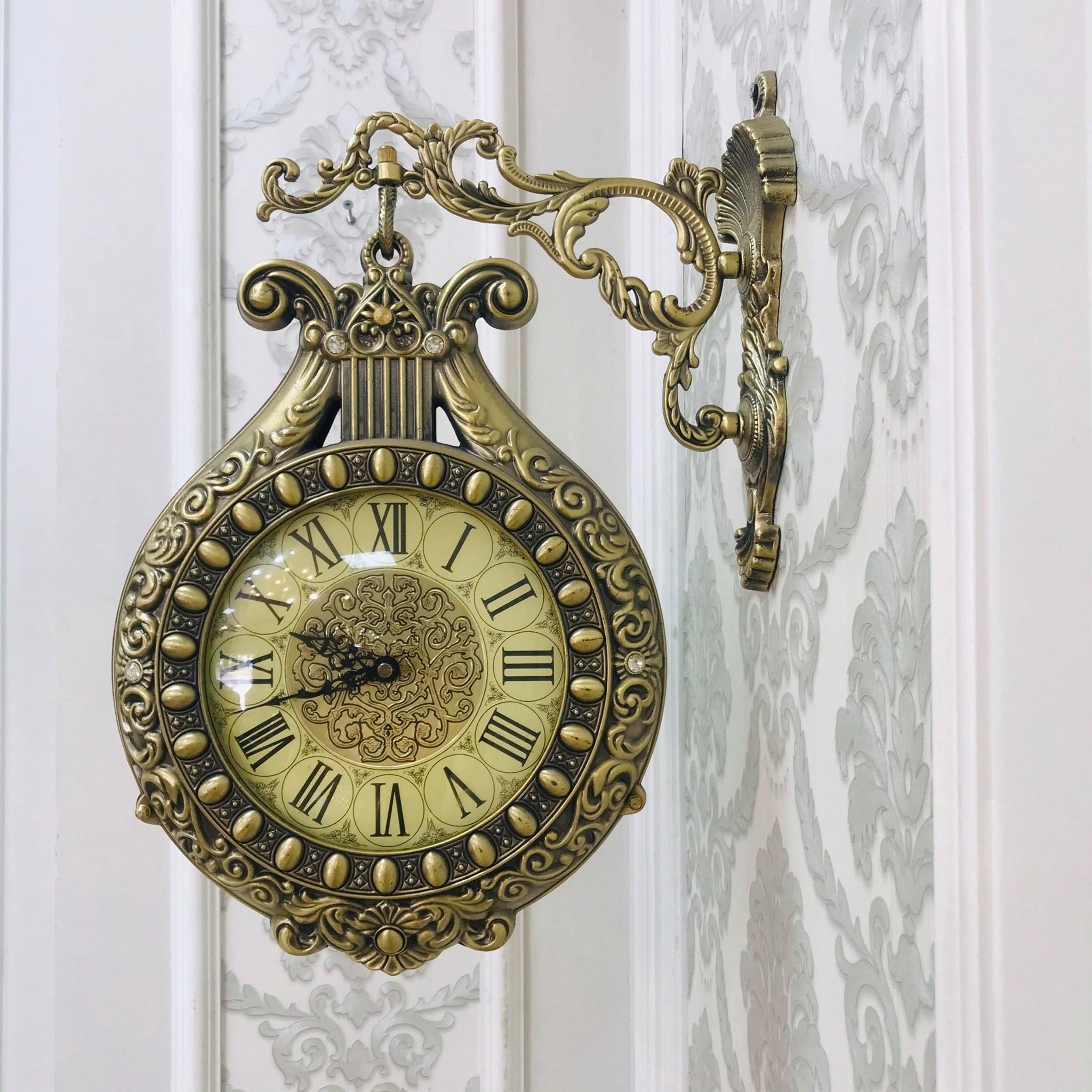 Đồng hồ treo tường 2 mặt số va mặt la mã hình cây đàn mang phong cách tân cổ điển snag trọng và tinh xảo DHTT18 - Chất liệu hợp kim kẽm mạ đồng, điêu khắc khóe léo