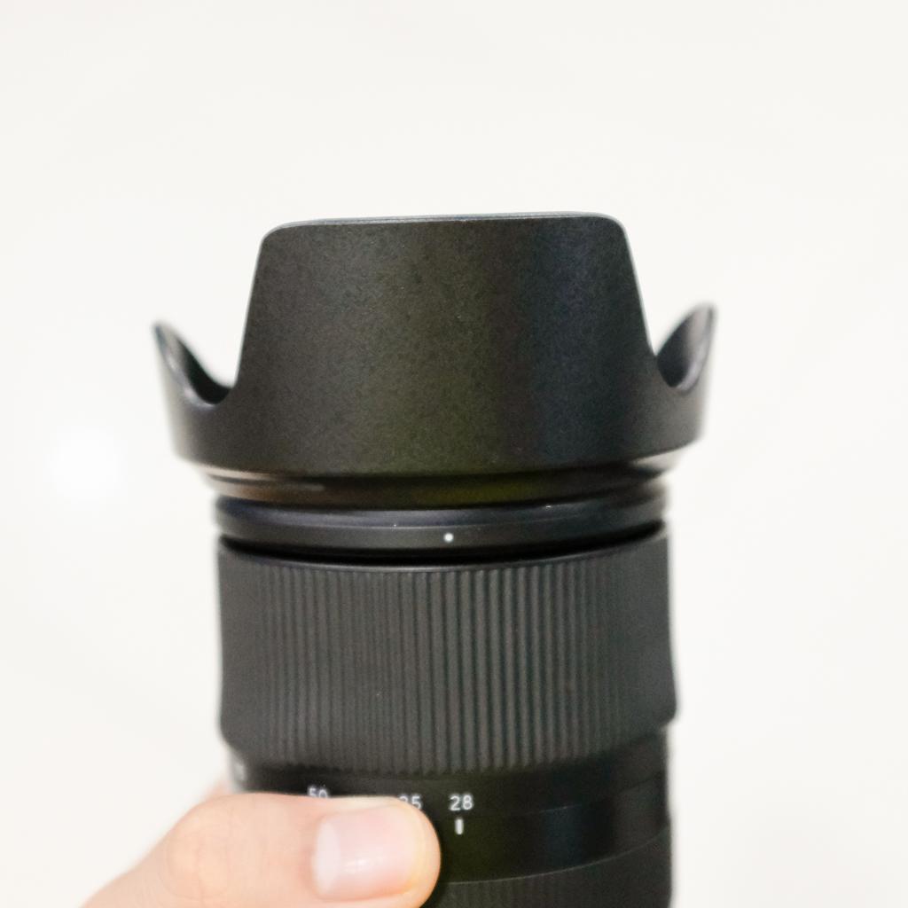 Loa che nắng lens hood cho ống kính Tamron 28-75mm f/2.8 Di III RXD - hàng for Sony thay thế LH-HA036