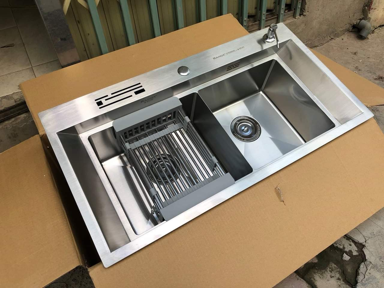 Bộ chậu rửa bát Hàn Quốc vòi 3 đường nước RANOX