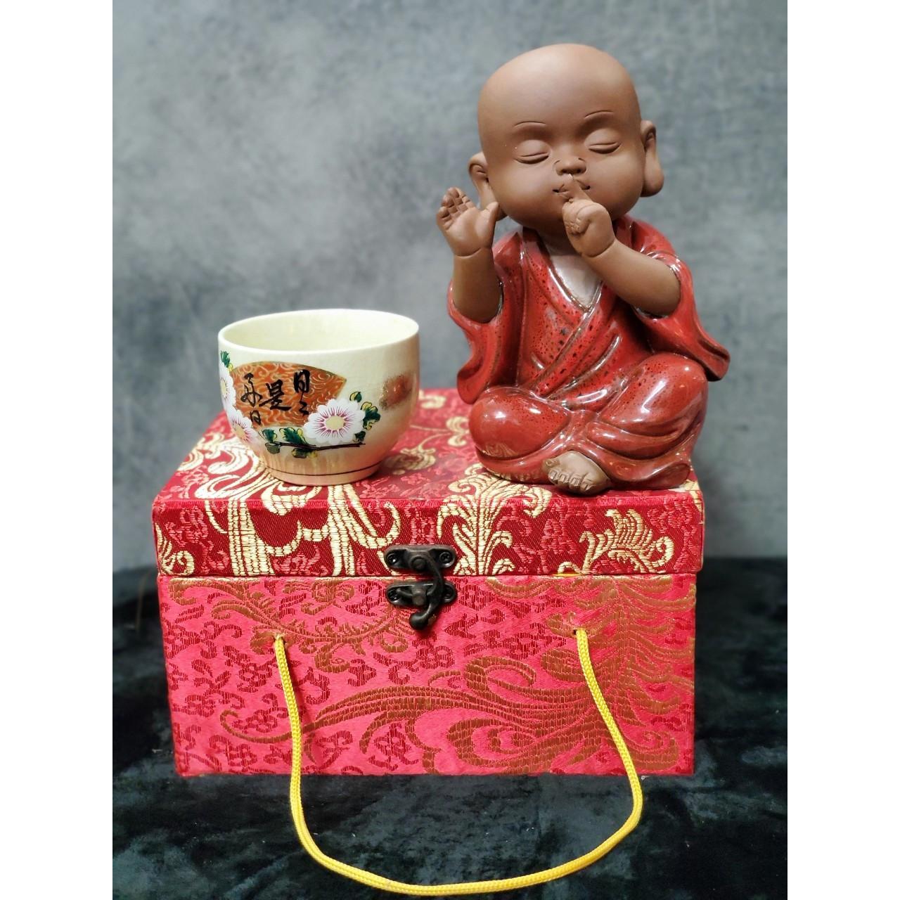 Tượng Chú tiểu không nói (Tặng kèm ly trà gốm Nhật ) - CT03