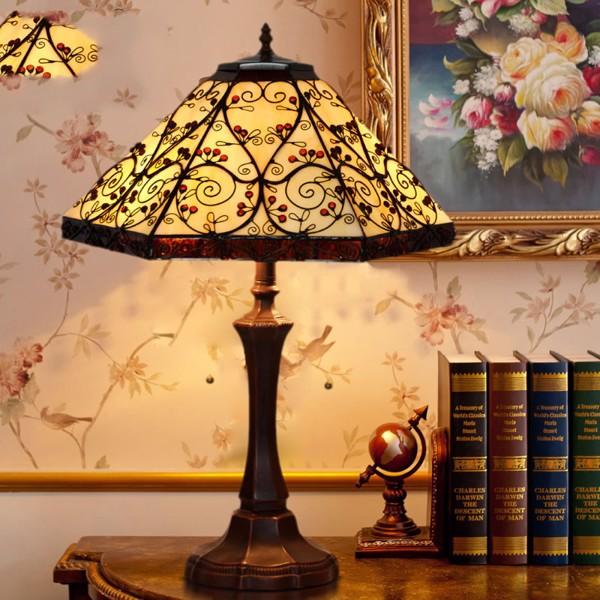 Đèn bàn cao cấp chao lục giác
