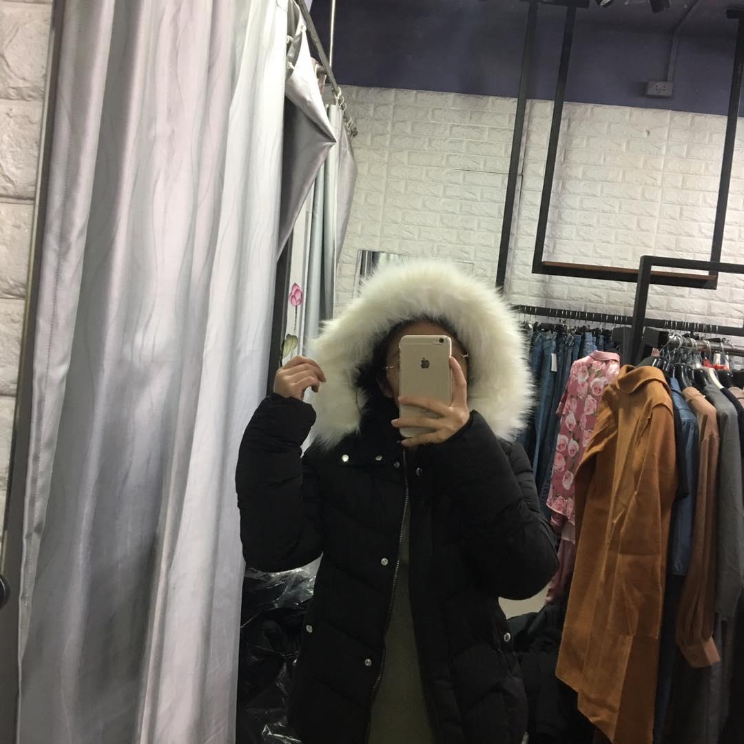 Áo phao mũ lông trắng dáng ngắn