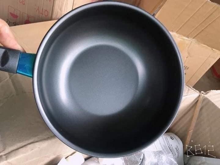 Chảo đá mini 18 cm sâu lòng, đặc biệt sử dụng trong nhà có trẻ nhỏ, dùng nấu bột, nấu cháo tiện cực luôn ạ