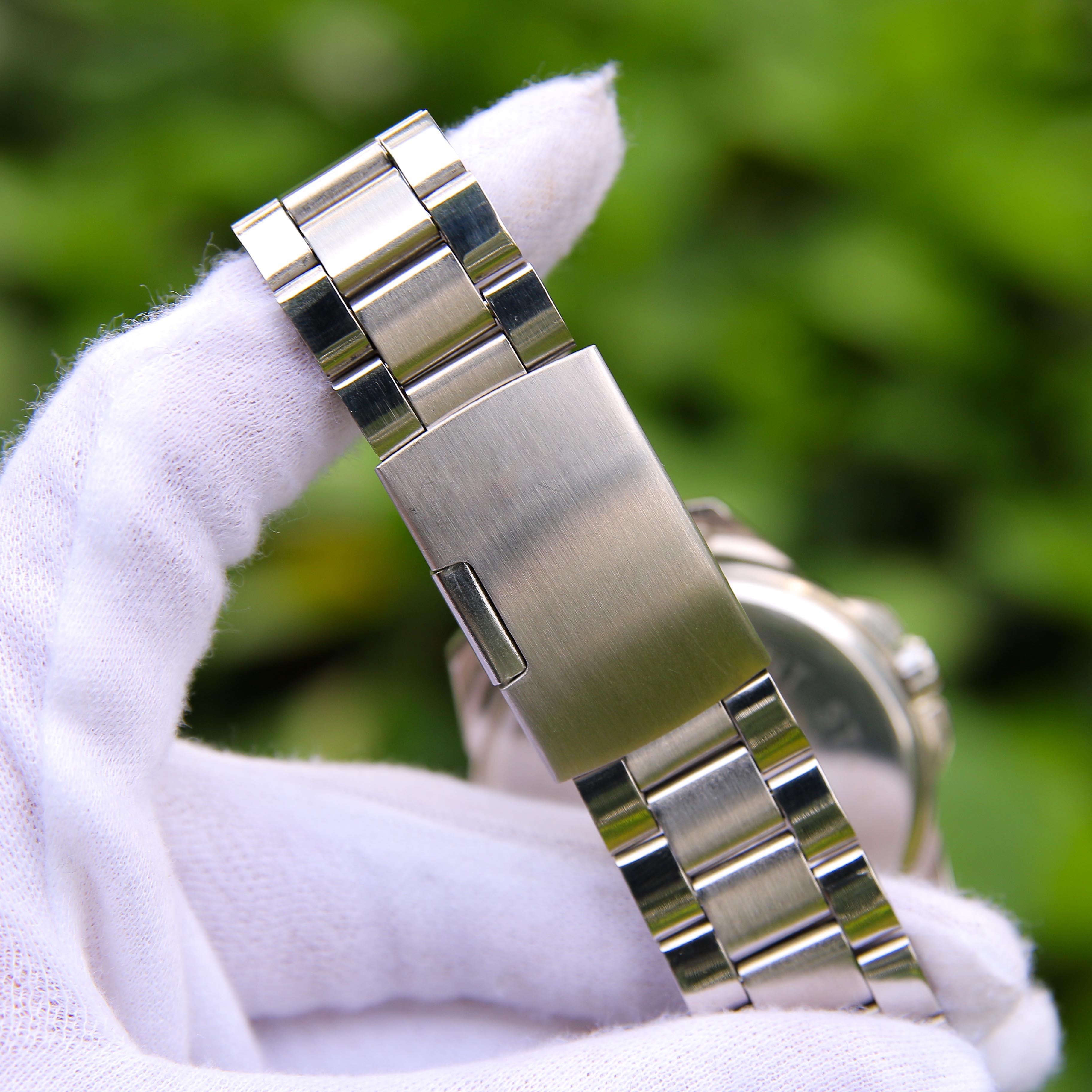 Đồng hồ nam dây thép mặt kính chống xước cao cấp VE003048 phong cách Ý hiển thị 2 lịch ngày tháng – Thiết kế sang trọng – Lịch lãm