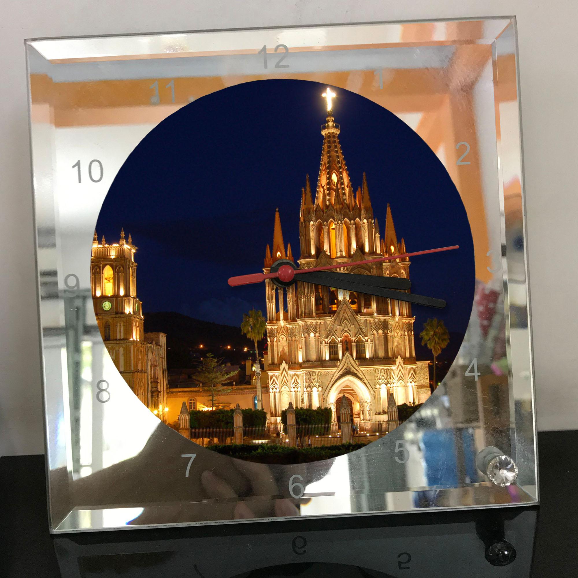 Đồng hồ thủy tinh vuông 20x20 in hình Cathedral - nhà thờ chính tòa (35) . Đồng hồ thủy tinh để bàn trang trí đẹp chủ đề tôn giáo