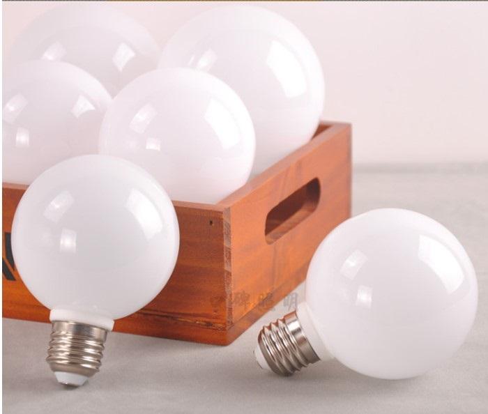 Bóng đèn Led thủy tinh đục G60 5w đui E27 hàng chính hãng.