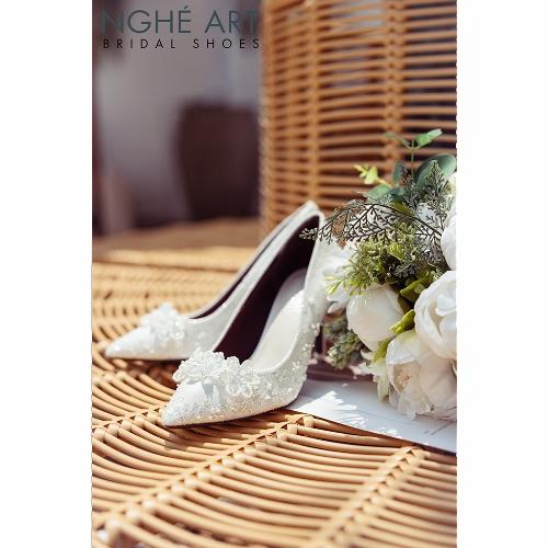 Giày cưới Nghé Art ren kim tuyến đính hoa đá 5 cánh 332