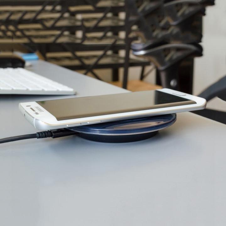 Đế sạc không dây dành cho máy Android có tích hợp sạc không dây chuẩn Qi