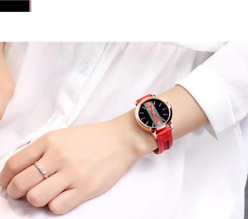 Đồng hồ thời trang nữ phong cách Hàn Quốc