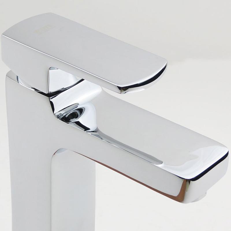 Vòi Lavabo Nóng Lạnh Đồng Mạ Chrome Eurolife EL-DAISY 02 (Trắng Bạc)