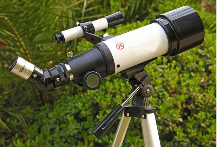 Kính thiên văn cao cấp khám phá thiên nhiên và nghiên cứu thiên văn Gy70400 ( Có giá đỡ dễ dàng đặt ở bất cứ đâu khả năng nhìn tốt, độ phóng đại lớn - Tặng kèm la bàn mini chỉ hướng bằng thép không gỉ )