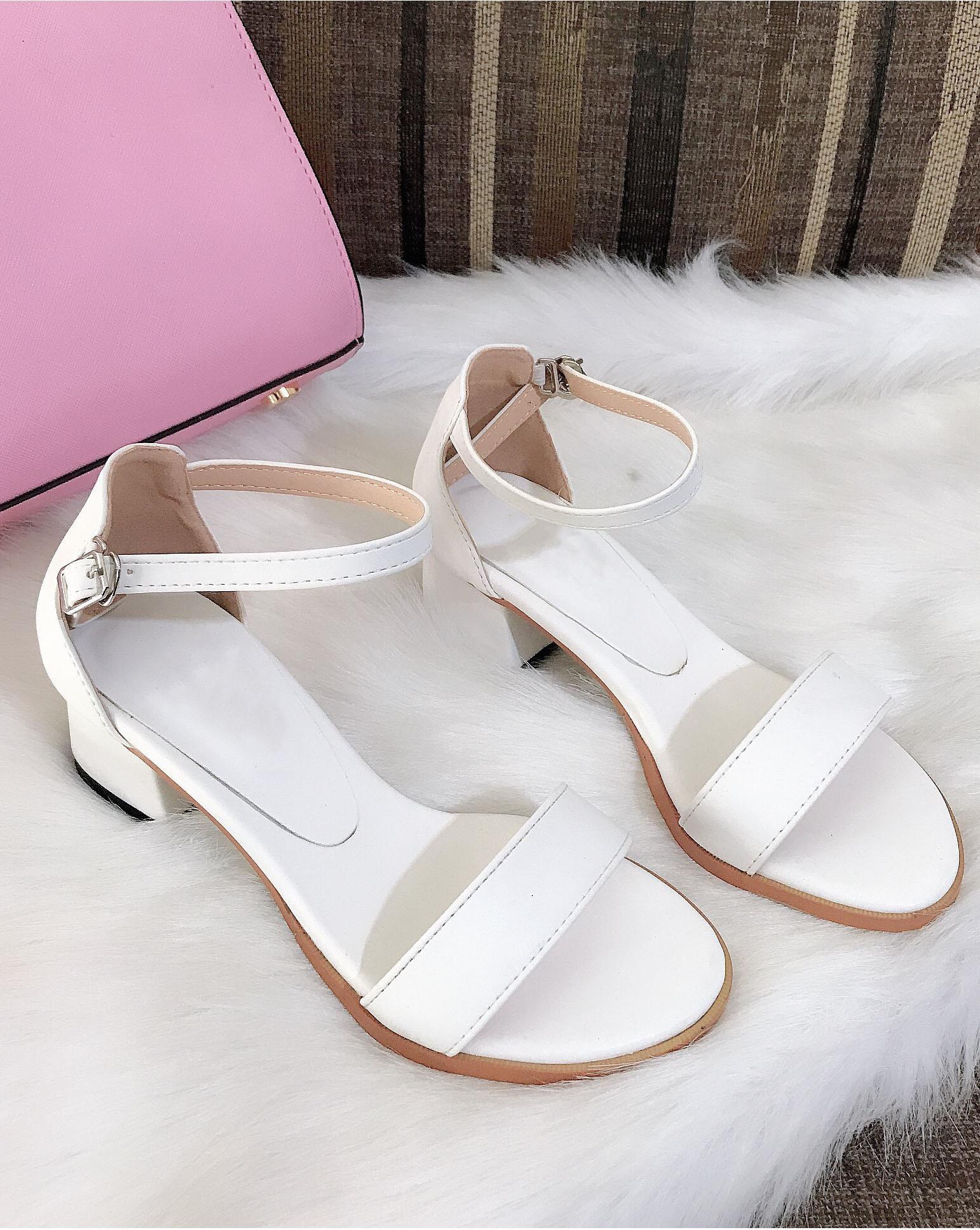 Giày Sandal Nữ Gót Vuông