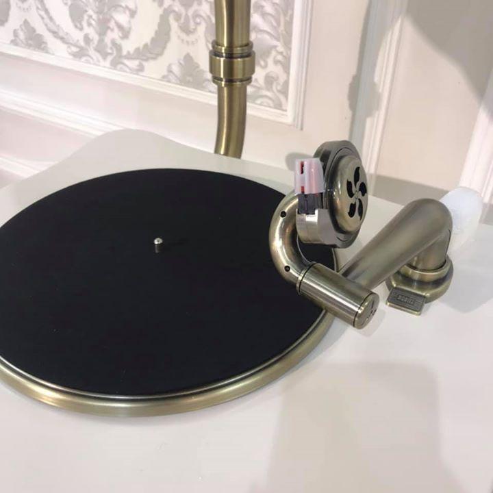BỘ MÁY PHÁT NHẠC LOA KÈN ĐỒNG MPN12go đa chức năng nghe nhạc đĩa than, đĩa CD, USB, Bluetooth và đài FM (máy hát nhạc loa kèn Châu Âu Cổ Điển)  dài 50 x rộng 43x cao 178cm