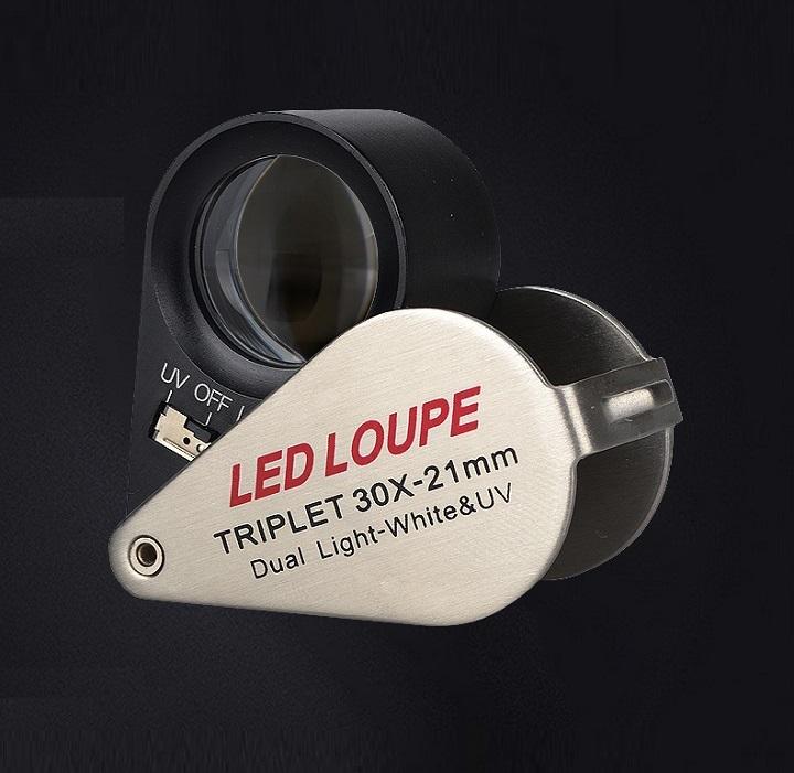 Kính lúp móc khóa mini 30X cao cấp K7802 (Tặng kèm đèn pin bóp tay giao màu ngẫu nhiên)