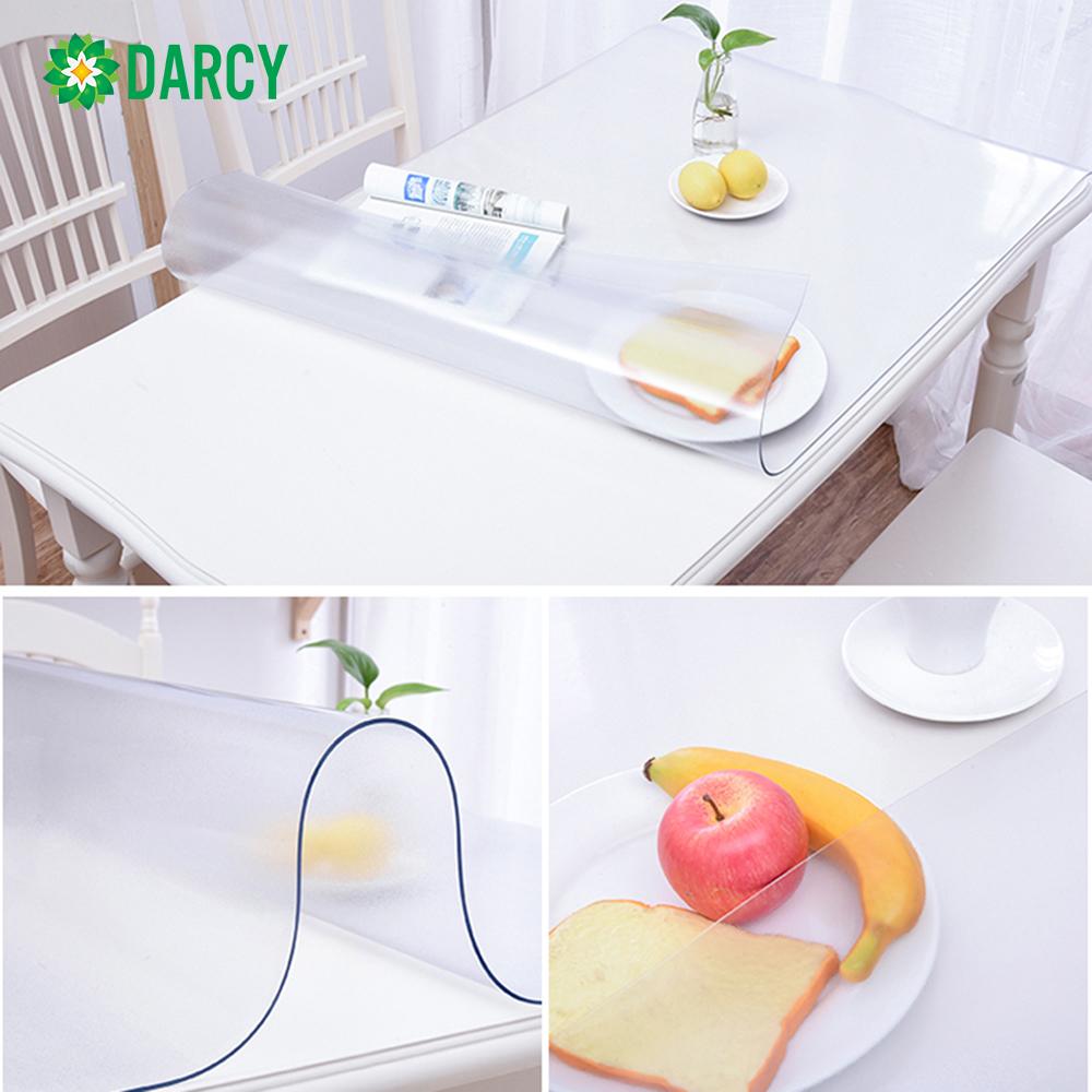 Khăn trải bàn PVC dẻo, màu trắng trong suốt, không thấm nước, dầu, chống trượt dễ dàng vệ sinh bảo về mặt bàn hiệu quả.