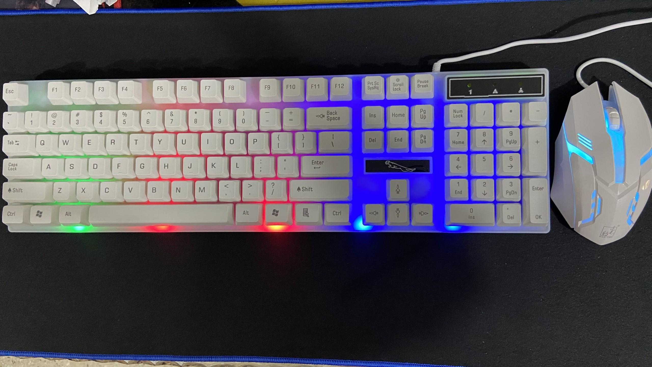Bộ phím chuột chuyên game led 7 màu G21B HN thiết kế cực đẹp với các đường nét góc cạnh cá tính(màu trắng)