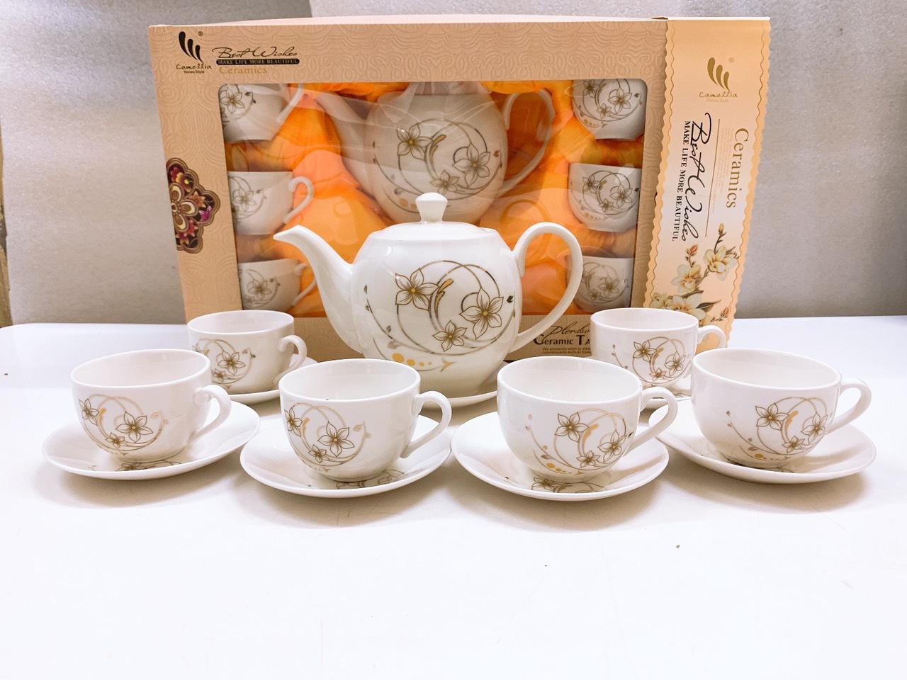 Bộ ấm chén  pha trà  kèm 7 đĩa CAMELLIA họa tiết hoa dây bạc sang trọng - ANTH240