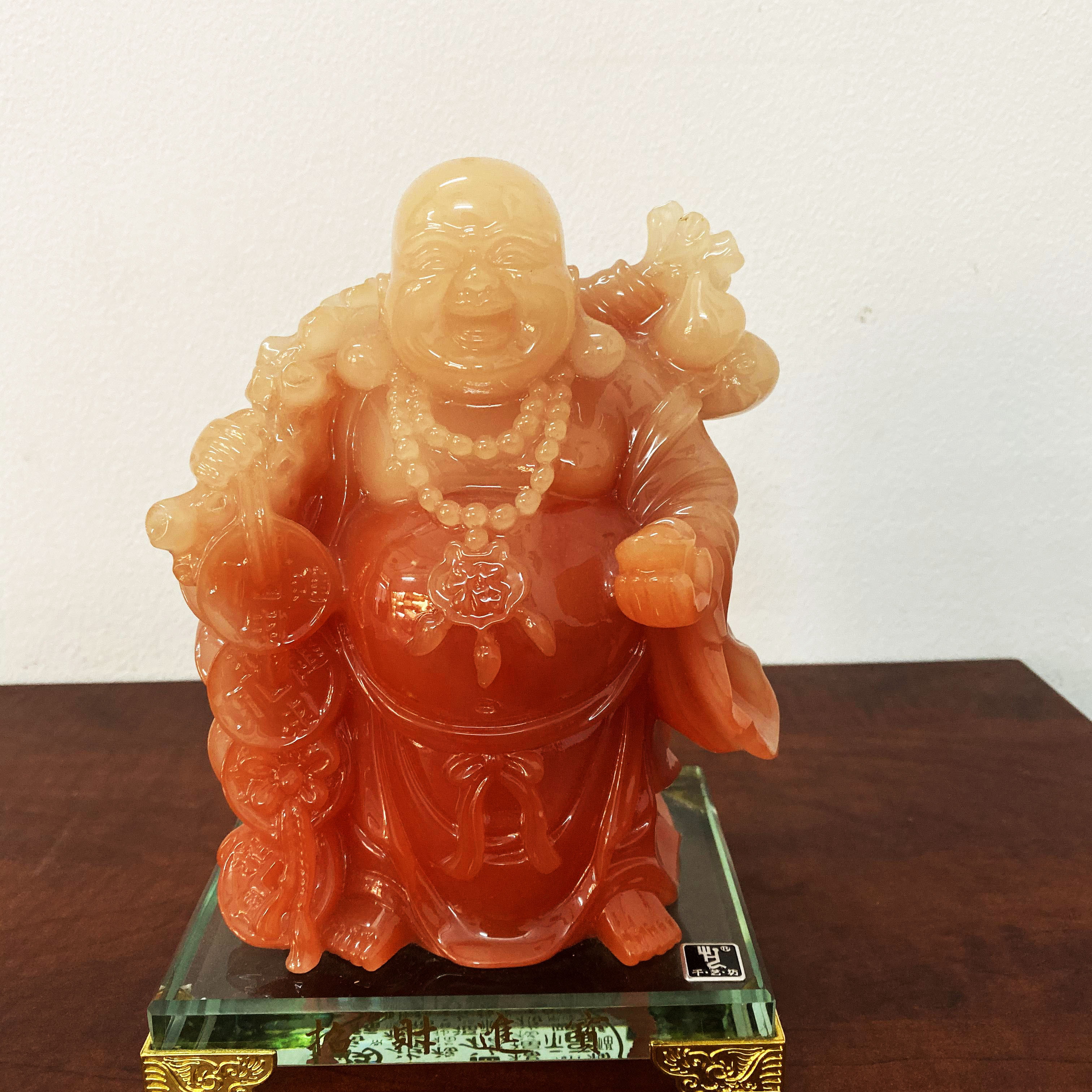 Tượng Phật Di Lặc đá hồng