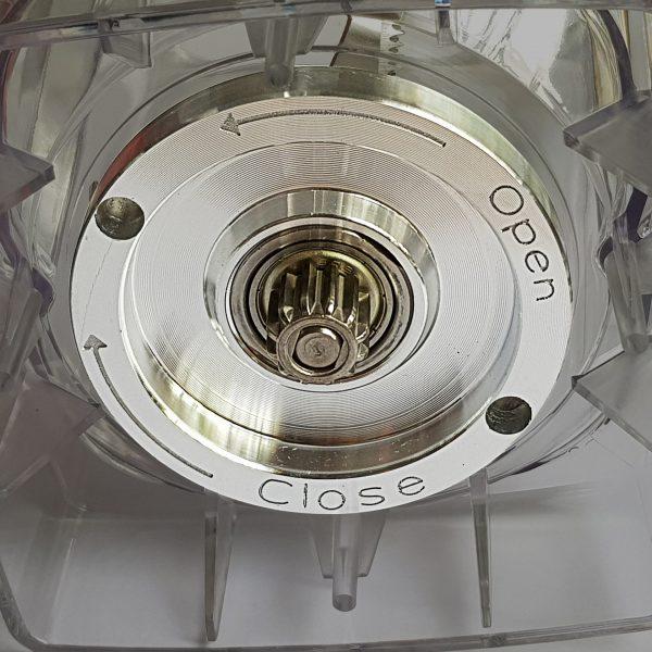 Máy Xay 1500W Sinh Tố Công Nghiệp Cực Mạnh Osako Đa Năng 2L Xay Được Đá Và Hạt Cứng-Kèm Lưỡi Dao Dự Phòng- Hàng Chính Hãng
