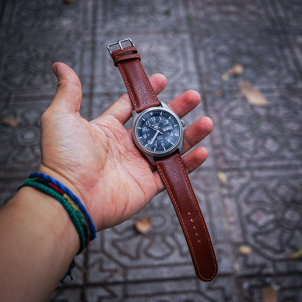 Dây đồng hồ da bò Ý dập vân Alran handmade size 20mm - xanh lam