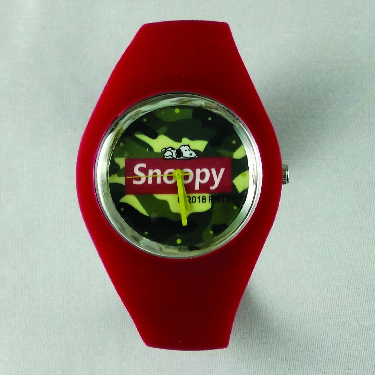 Đồng hồ nữ dây cao su Snoopy