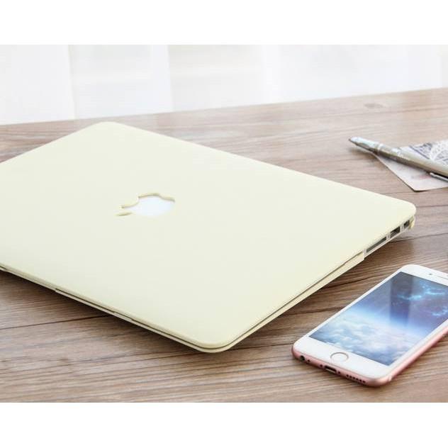 Combo ốp +phủ phím Macbook kem pastel (Tặng kèm nút chống bụi và bộ chống gãy sạc)