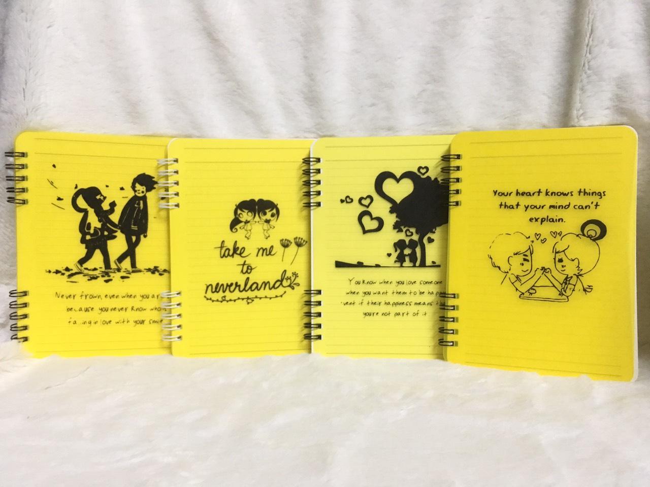 Sổ Tay Vivaone LX Bìa Nhựa (10 x 15 cm) - Vàng (Mẫu Ngẫu Nhiên)