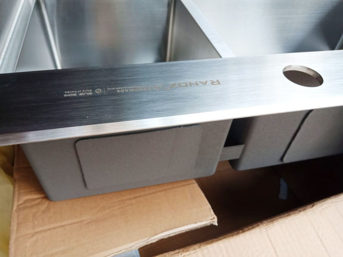 Bồn rửa bát Hàn Quốc + Vòi rửa chén RN40021