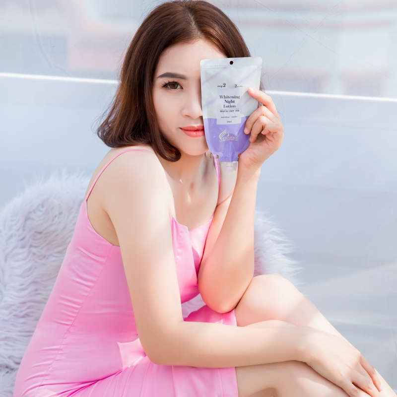 Kem Dưỡng Trắng Da Toàn Thân Ban Đêm Whitening Night Lotion Charme Hàn Quốc 50ml