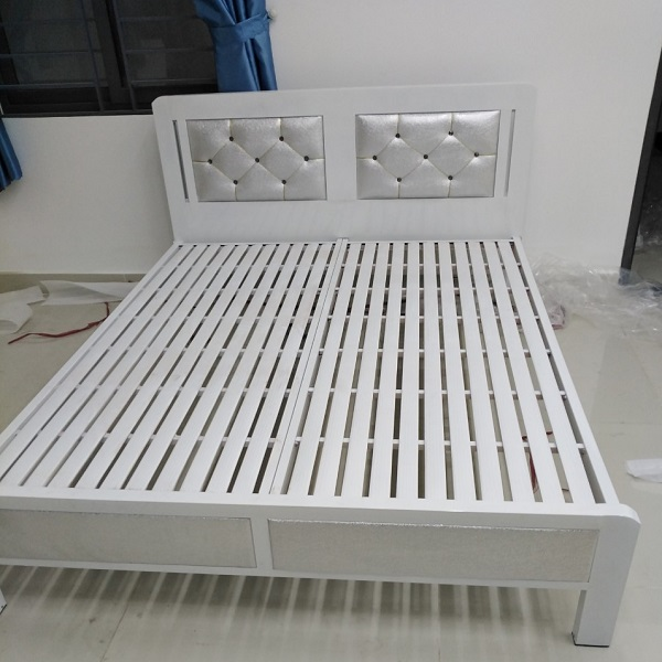 Giường sắt hộp cao cấp 1m6 x2m
